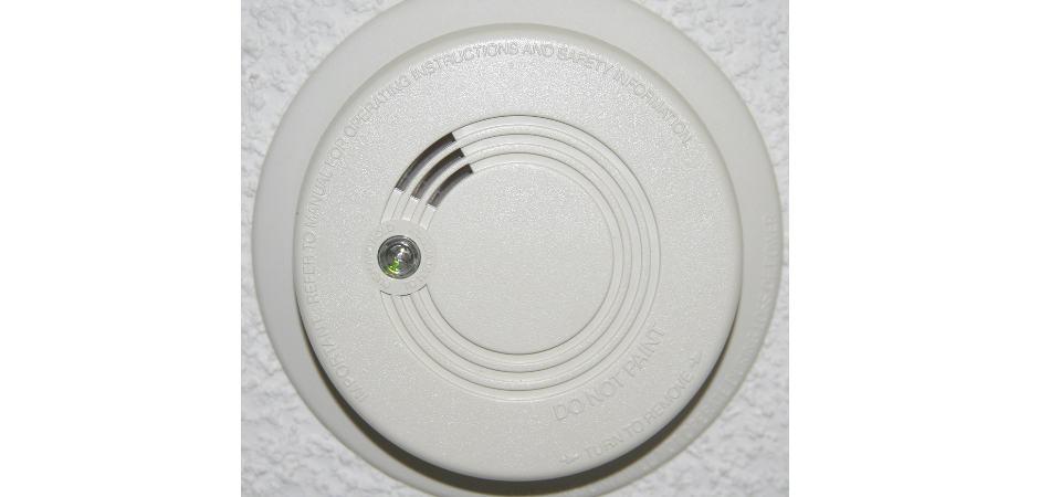 stop hard wired smoke detector beeping